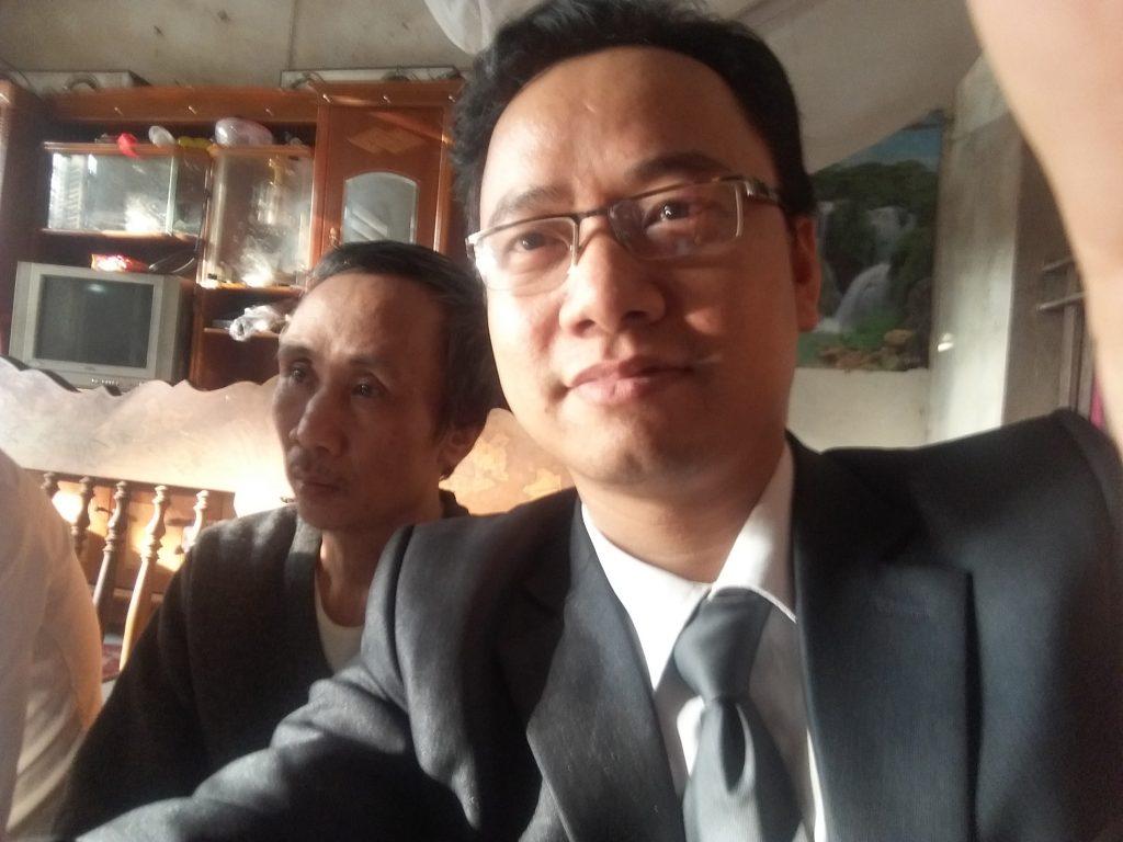 Sáng 21/12/2016 luật sư Ngô Ngọc Trai về thăm gia đình ông Hàn Đức Long được trả tự do.