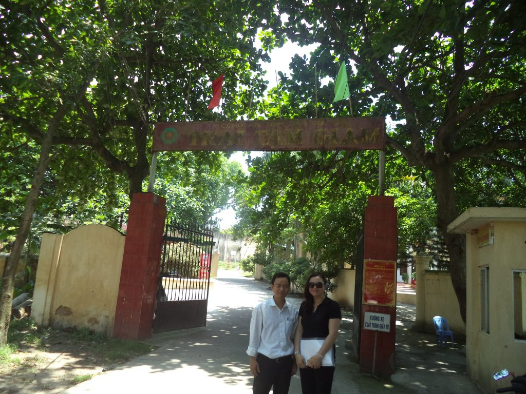 Luật sư Ngô Ngọc Trai và đồng nghiệp trong một lần đi dự cung ông Long tại Trại giam Kế của tỉnh Bắc Giang.