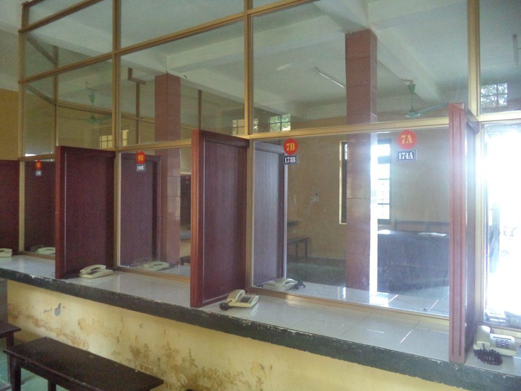 Đây là nơi người giam giữ được nói chuyện với thân nhân qua điện thoại tại Trại T16 của BCA ở Thanh Oai, Hà Nội.