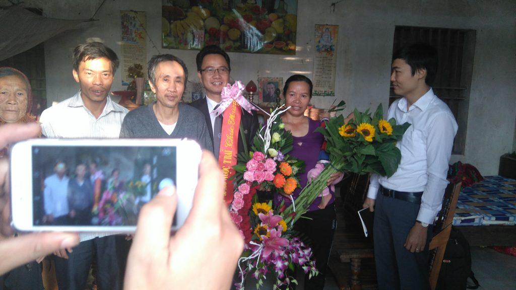 Sáng hôm 21/12/2016 luật sư Ngô Ngọc Trai về thăm và chúc mừng ông Hàn Đức Long được trả tự do.