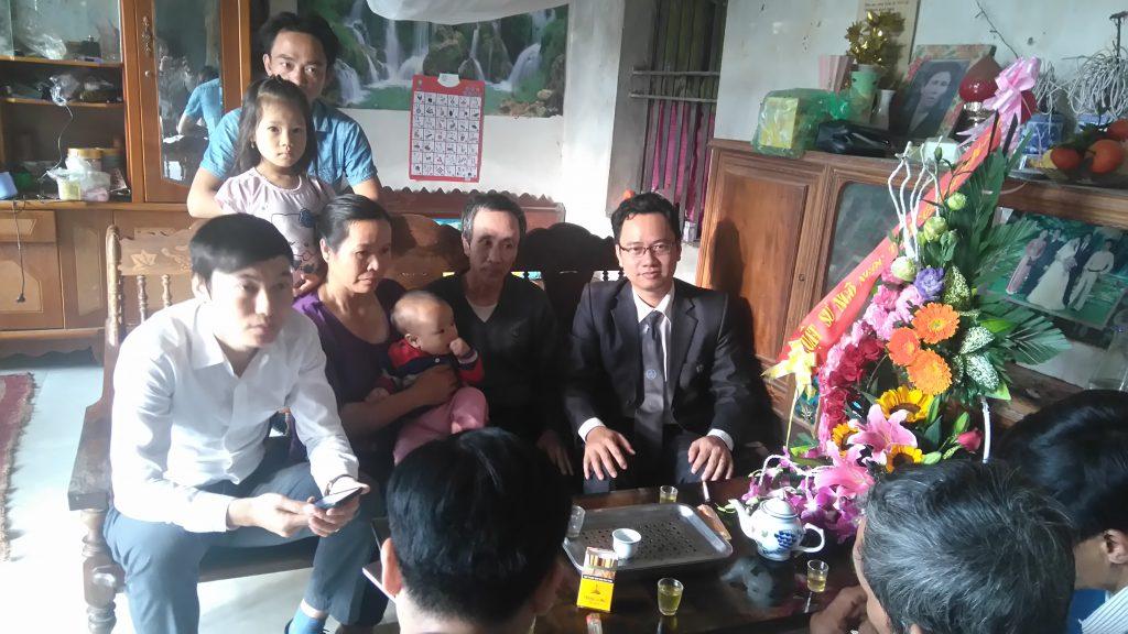 Sáng hôm 21/12/2016 luật sư Ngô Ngọc Trai về thăm và chúc mừng ông Hàn Đức Long được trả tự do sau 11 năm đi tù oan.